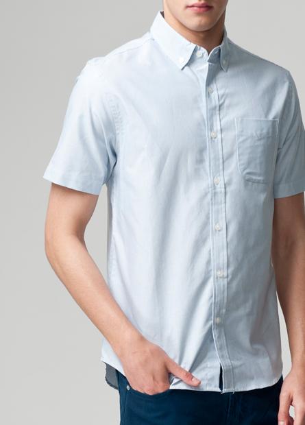 鈕釦領單貼袋印花襯衫