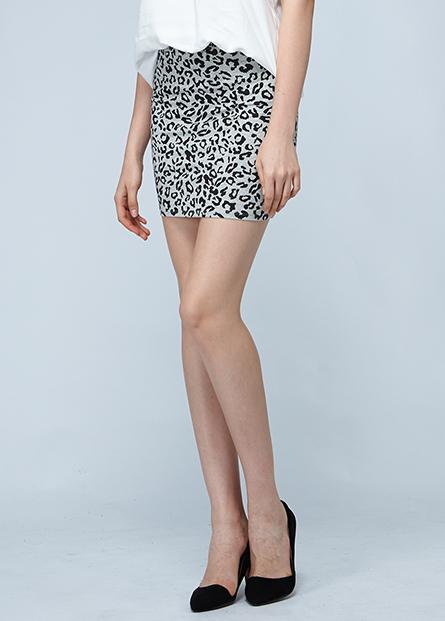 條紋印花短裙