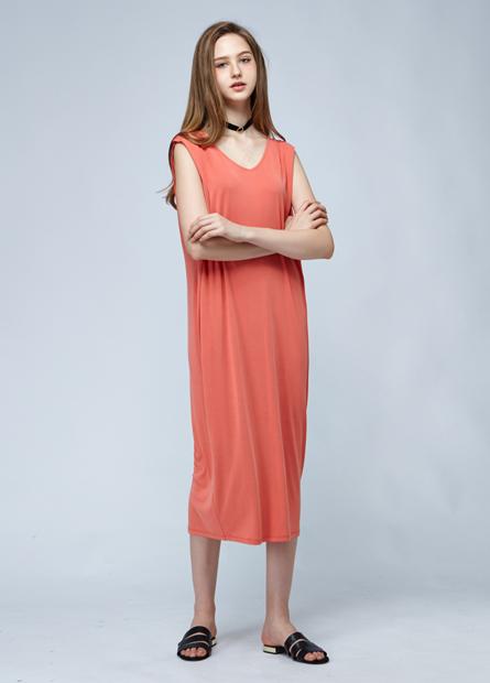 素色V領長洋裝