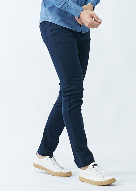 素色合身窄管牛仔長褲