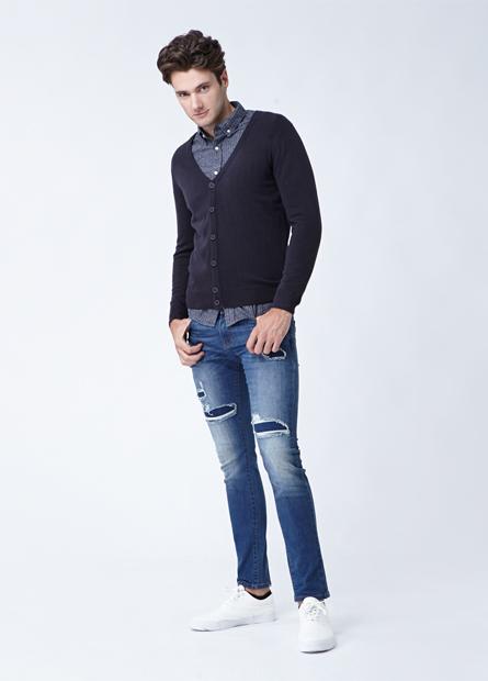 素色V領薄毛衣外套