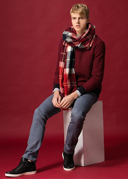 組織羅紋圓領毛衣