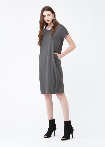 素色V領直筒洋裝