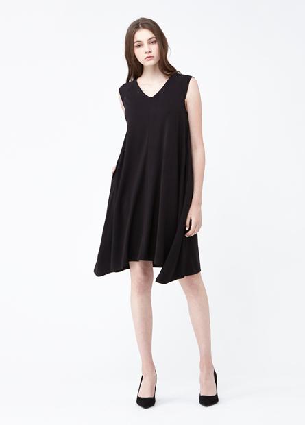 素色V領無袖寬襬洋裝