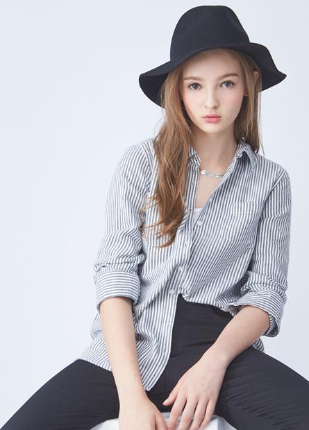 雙口袋捲釦長袖襯衫