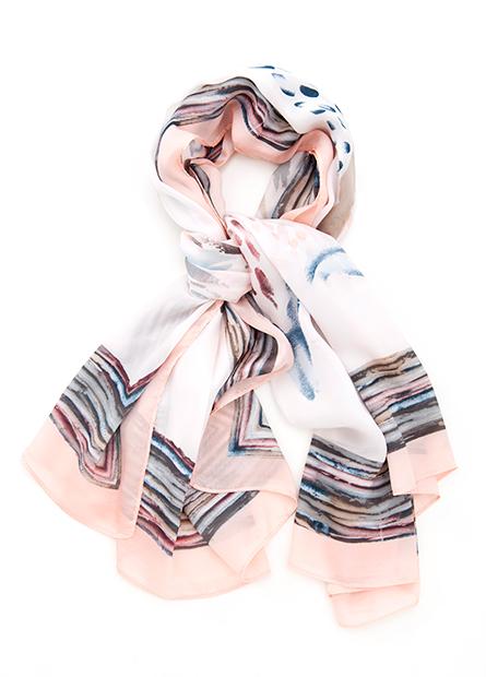 緞面印花大方巾