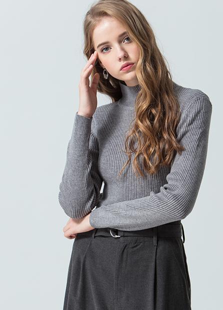素色半高領羅紋毛衣