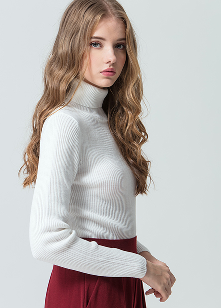 素色高領羅紋毛衣