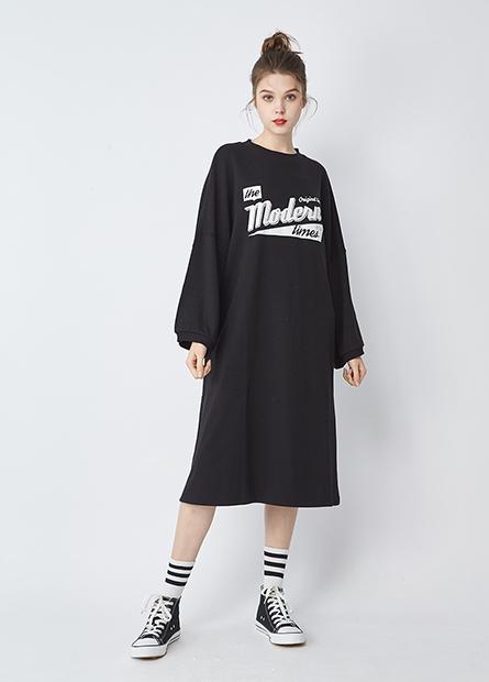 字母毛圈直筒洋裝