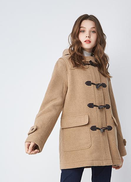 羊毛牛角釦連帽外套