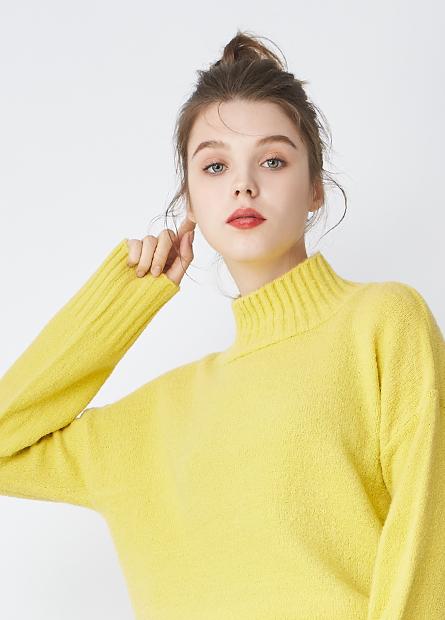 半高領落肩短版毛衣