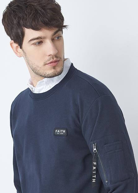 拉鍊口袋標章內刷毛上衣