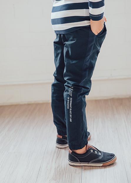 男童徽章防風長褲