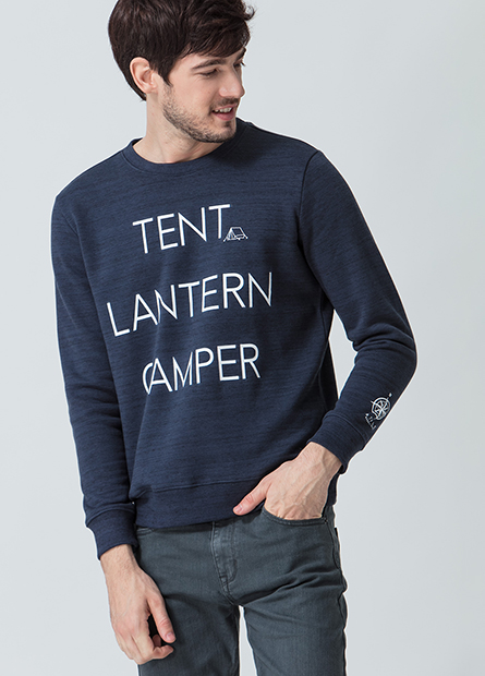 露營插圖字母內刷毛T