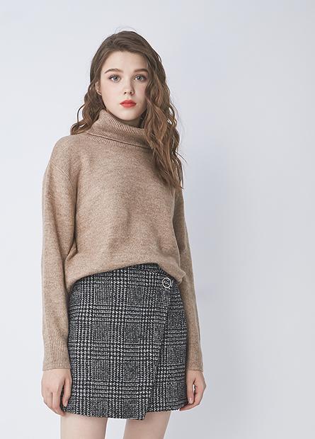 翻領素色寬鬆毛衣