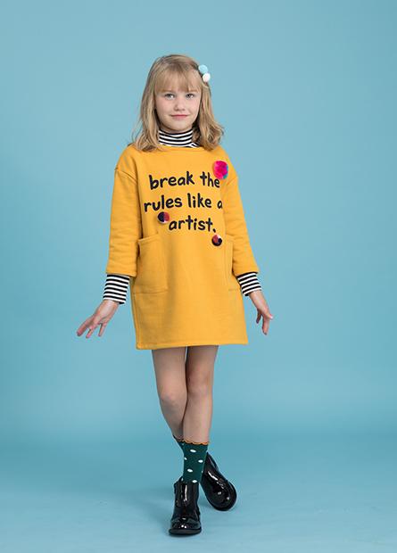 女童毛球字母內刷毛洋裝