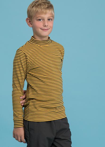 男童吸濕保暖半高領上衣