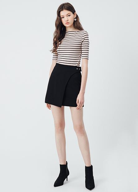 鈕釦裝飾拼接短裙