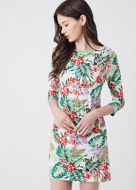 滿版印花直筒洋裝