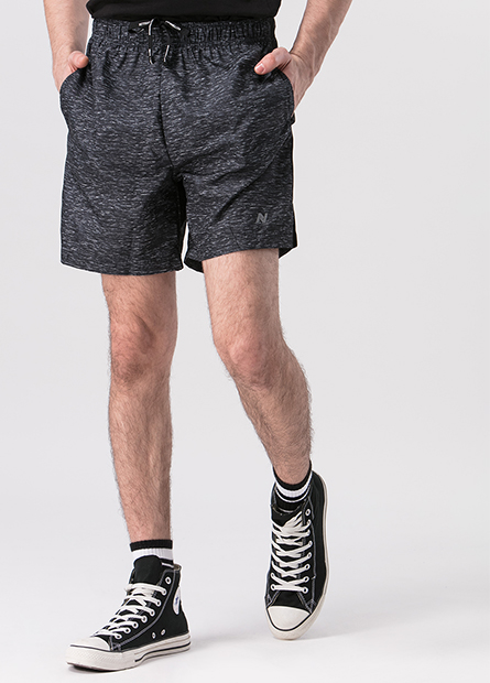 側邊剪接運動短褲