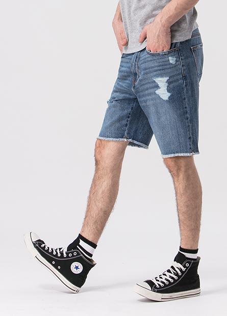 Slim Fit磨破鬚邊牛仔短褲