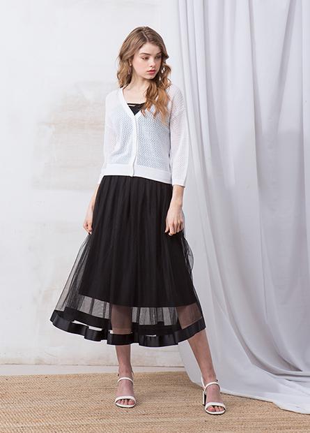 素色壓褶網紗長裙