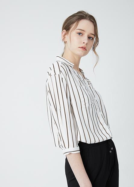 嫘縈V領口袋襯衫