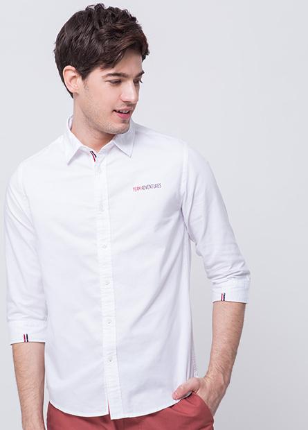 織帶字母七分袖襯衫