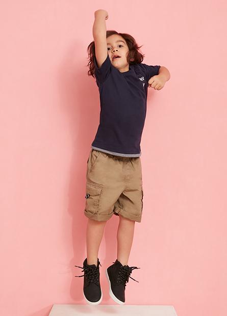 男童假兩件口袋字母T