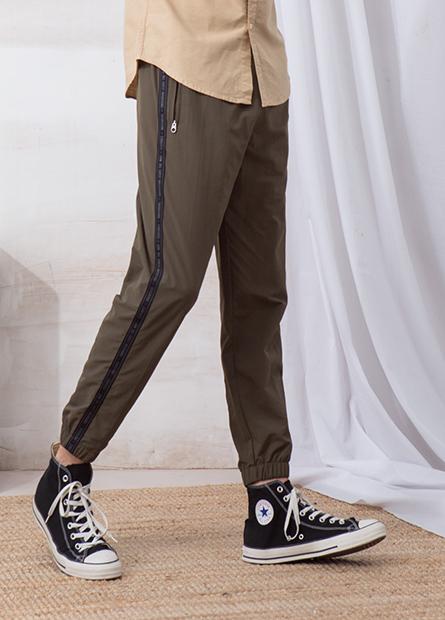 側條字母拉鍊口袋長褲