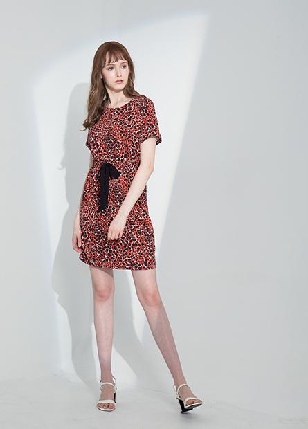 圓領縮腰短袖洋裝