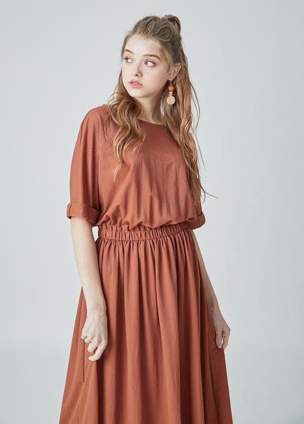素色腰抽皺長洋裝