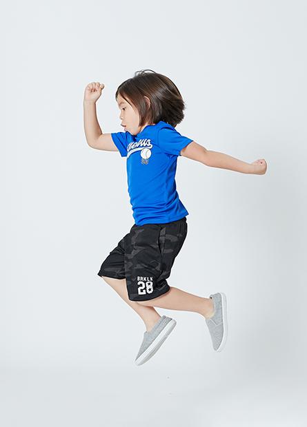 男童印字短褲