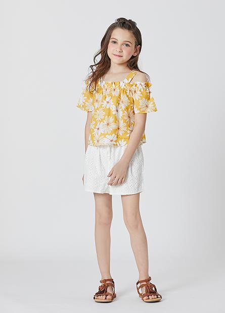 女童鏤空刺繡短褲
