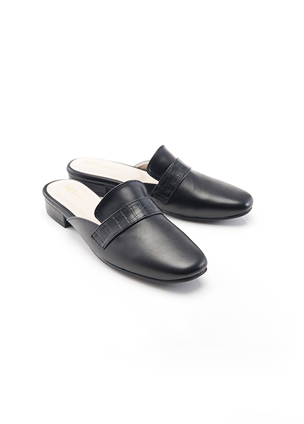 皮質後空平底鞋