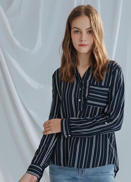 開襟V領捲釦長袖上衣