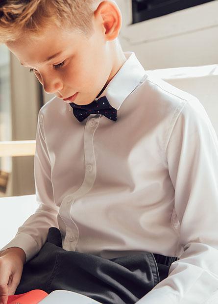 男童附領結長袖襯衫