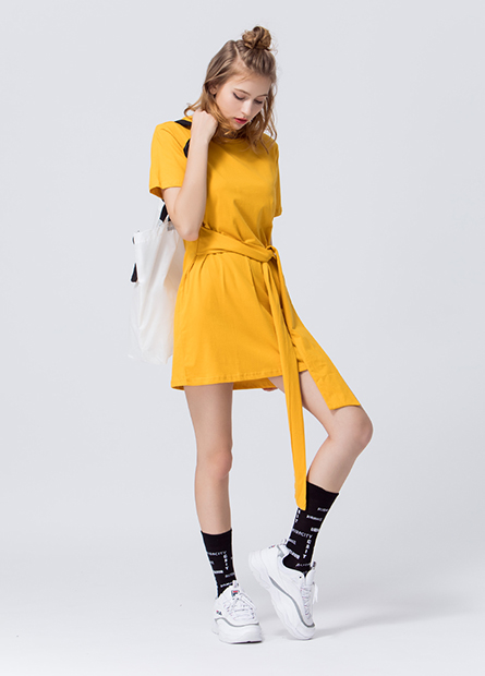 素色腰綁帶圓領洋裝