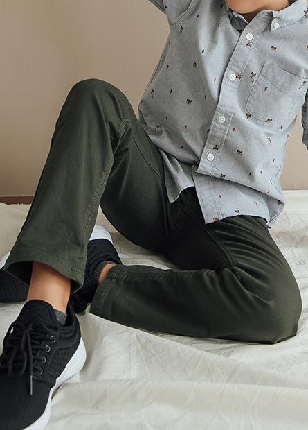 Slim Fit輕便牛仔長褲