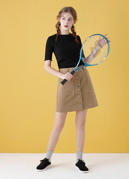 前排釦口袋短裙