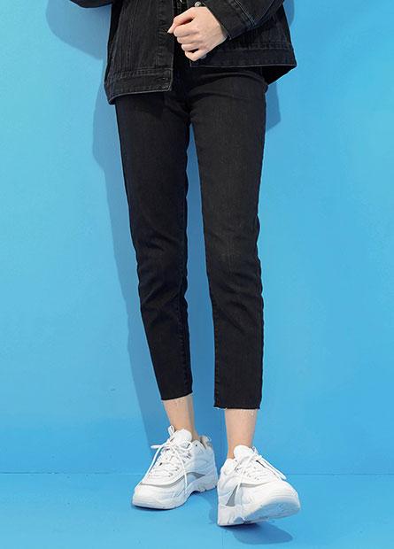 高腰窄管牛仔褲