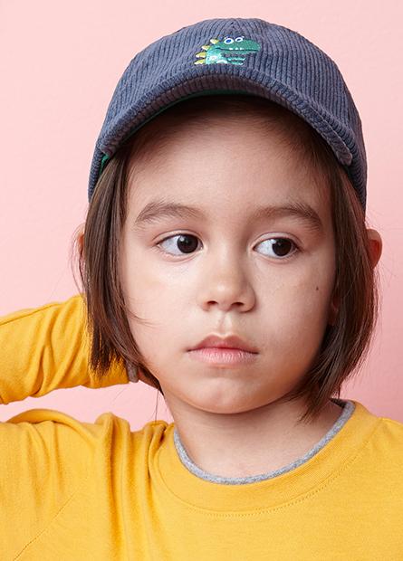 童刺繡小圖絨布棒球帽