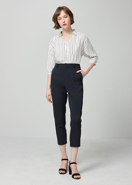 V領縲縈七分袖襯衫