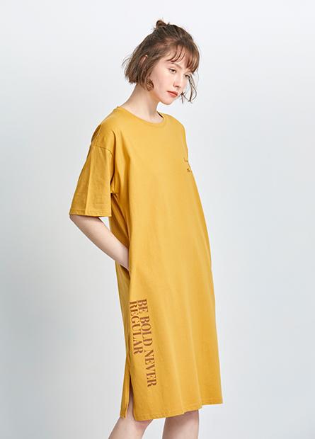 字母落肩寬鬆洋裝