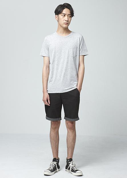 Regular Fit反褶短褲