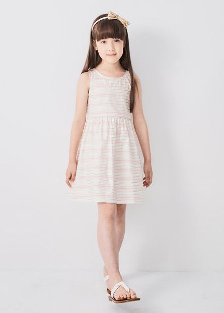 女童印花洋裝