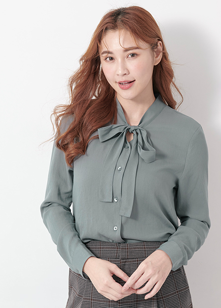 立領綁帶長袖襯衫
