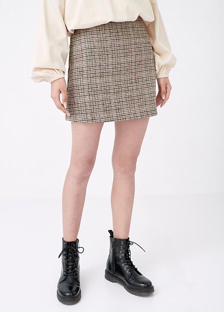 格紋A字短裙