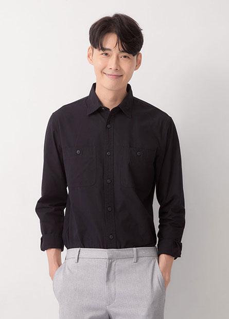 雙口袋修身長袖襯衫