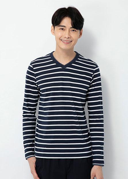 雙層V領條紋長袖T恤